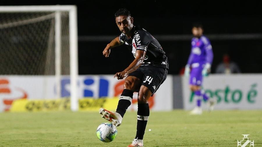 Zagueiro Werley é um dos cinco jogadores do Vasco da Gama que treinarão em horários alternativos - Rafael Ribeiro / Vasco