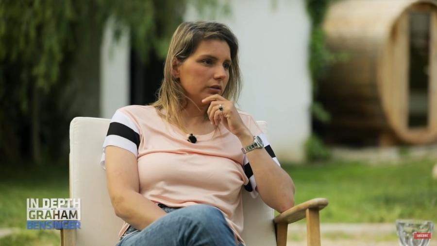 Maya Gabeira concedeu entrevista ao jornalista Graham Bensinger - Reprodução/YouTube