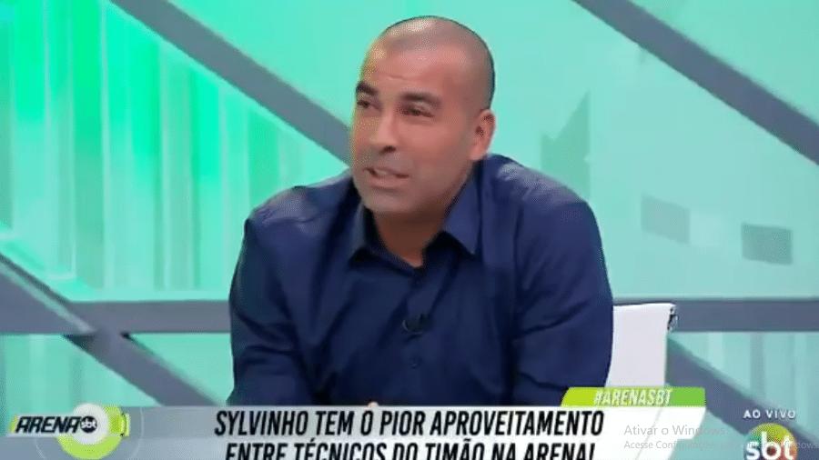 Emerson Sheik defendeu a saída do técnico Sylvinho, do Corinthians - Reprodução/SBT