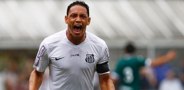 Ricardo Oliveira volta ao Santos após defender a seleção e ser poupado por Dorival