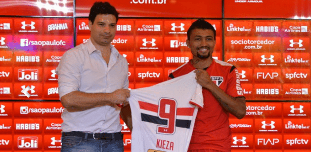 Kieza foi apresentado com a camisa 9 do São Paulo - Érico Leonan/saopaulofc.net
