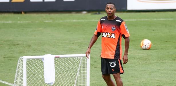 Robinho vai ser titular do Atlético-MG no primeiro clássico contra o Cruzeiro