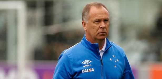 Mano Menezes definirá situação de renegados após encontro com a cúpula do Cruzeiro