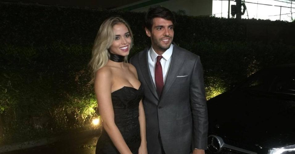 Kaká posa ao lado da nova namorada, Carolina Dias