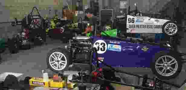 A garagem onde são preparados os carros da Fórmula Vee - Divulgação/Fvee - Divulgação/Fvee