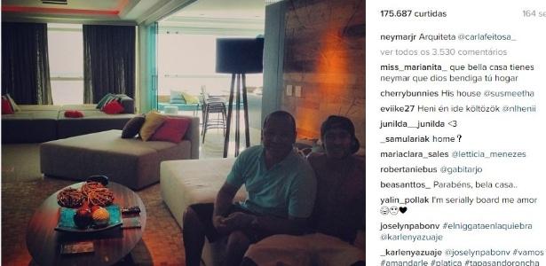 Neymar mostra seu apartamento em Itapema com chaises e almofadas coloridas - Reprodução/Instagram