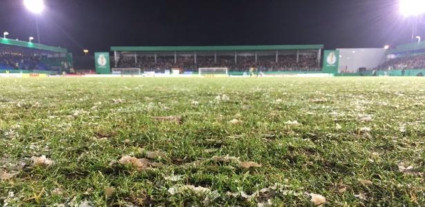 Dortmund compartilhou foto do gramado congelado
