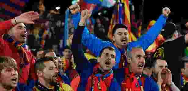 torcida do Barça - AFP PHOTO / LLUIS GENE - AFP PHOTO / LLUIS GENE