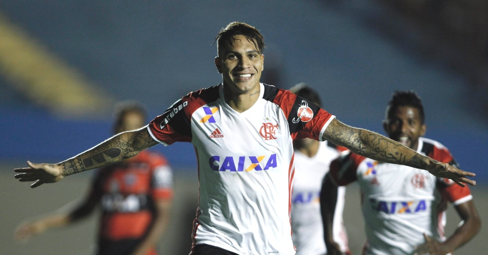 Guerrero abre o placar para o Flamengo contra o Atlético-GO