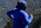 Ela sofre preconceito por correr maratona acima do peso e combate