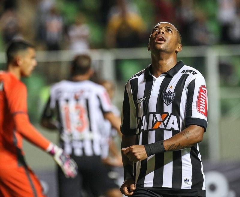 Robinho diz que vaias da torcida são justas, mas pede apoio para o Atlético-MG reagir no Brasileiro