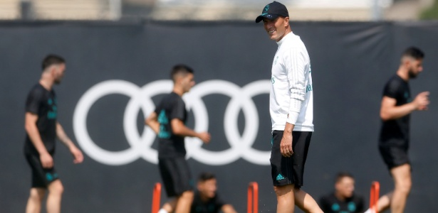 Zinedine Zidane comanda treino do Real Madrid na UCLA
