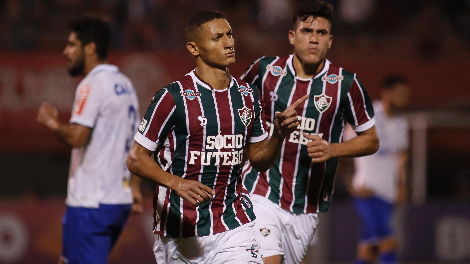 Richarlison empatou para o Fluminense contra o Cruzeiro
