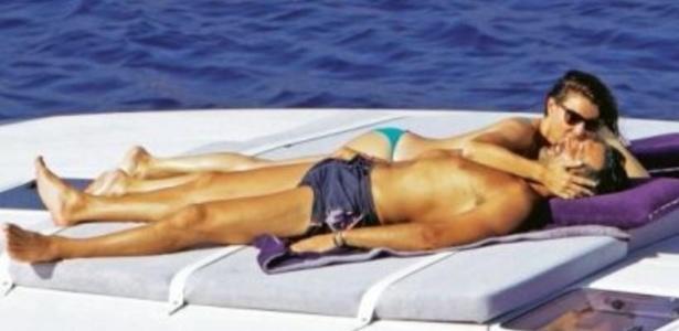 Buffon processa revista por imagens dele com mulher durante férias