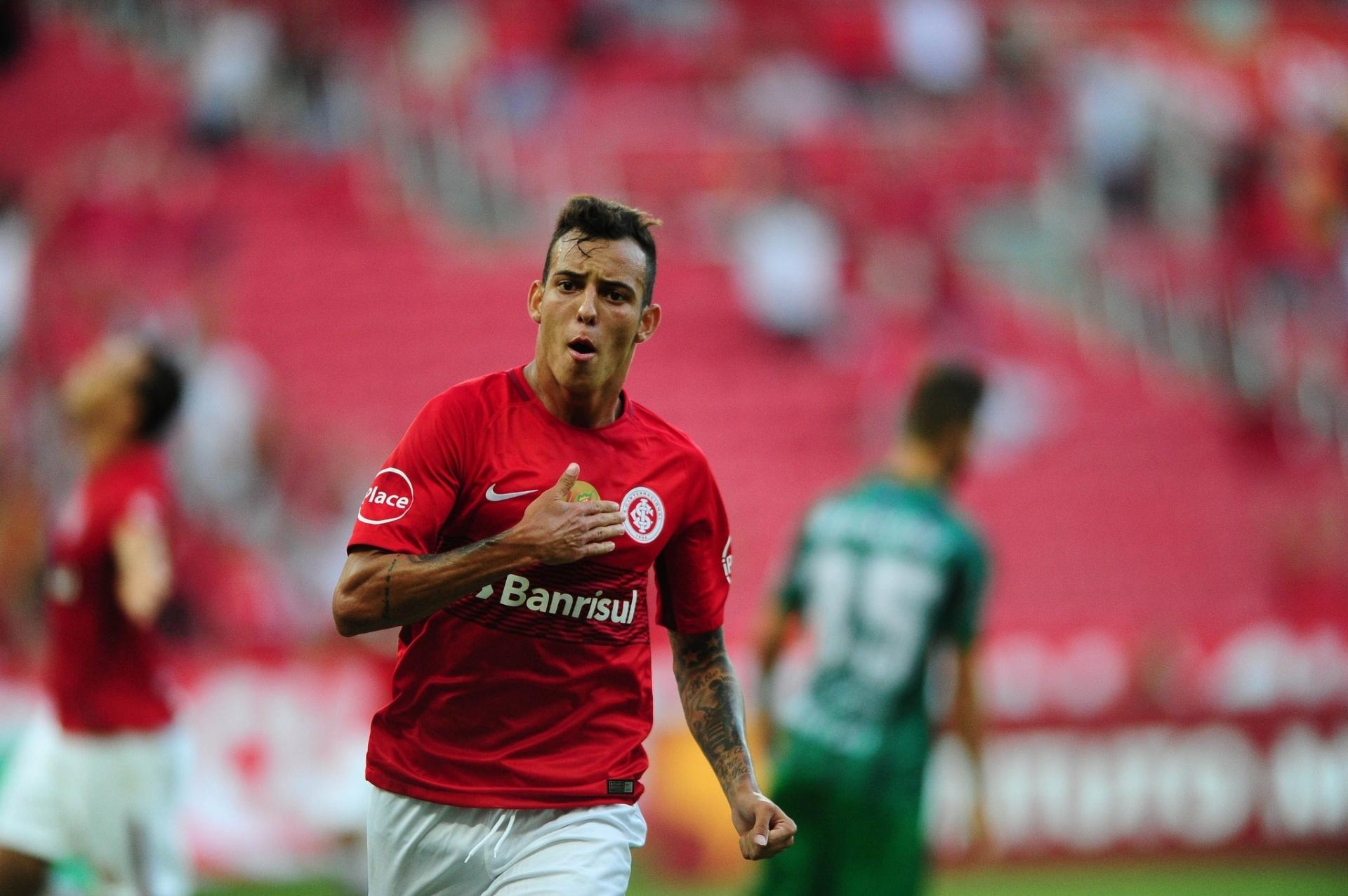 Inter se protege de assédio europeu e não tem interesse em liberar Iago -  02 07 2018 - UOL Esporte ab3b90301f5a1