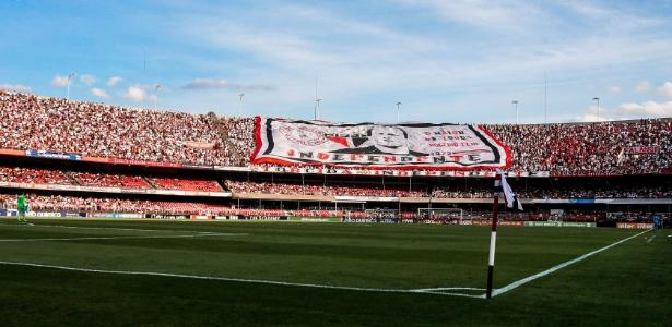 Segundo o Tricolor, CBF colocou o gramado do Morumbi como o melhor do país - Marcello Zambrana/AGIF