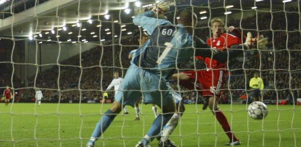 Gomes e Crouch já se enfrentaram algumas vezes pelo Campeonato Inglês