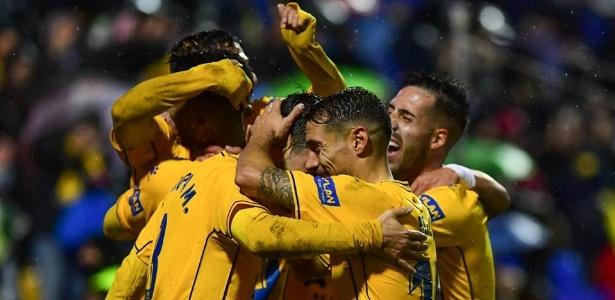 Jogadores do Alcorcón comemoram mais uma vitória rumo à elite do Espanhol - Divulgação