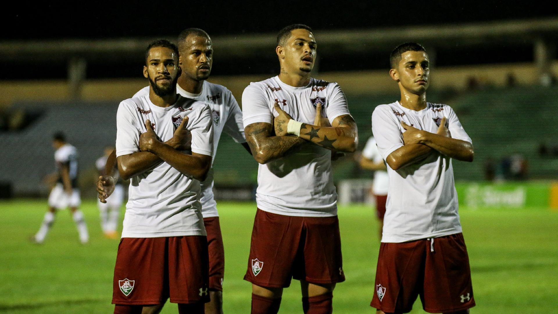 Jogadores do Fluminense comemoram gol contra o River-PI