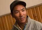 Sherpa bate recorde mundial ao escalar o Everest pela 24ª vez - LightRocket via Getty Images