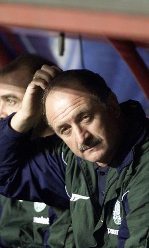 Luiz Felipe Scolari, Felipão, lamenta a derrota do Palmeiras para o Boca na final da Libertadores de 2000