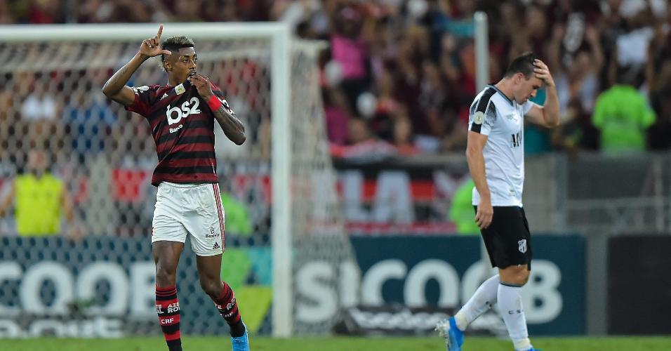 Bruno Henrique comemora gol do Flamengo contra o Ceará