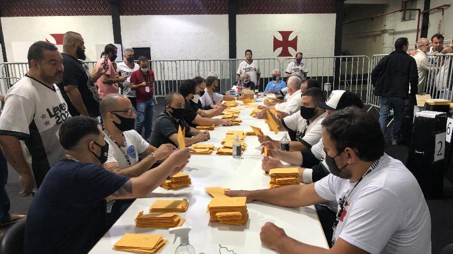 Eleição do Vasco teve contagem de votos mesmo com decisão judicial que suspendeu o pleito - Bruno Braz / UOL Esporte