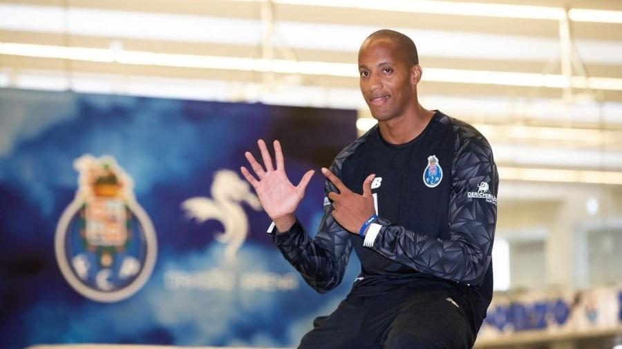Alfredo Quintana, goleiro do handebol do FC Porto, sofre parada cardiorrespiratória  - Instagram
