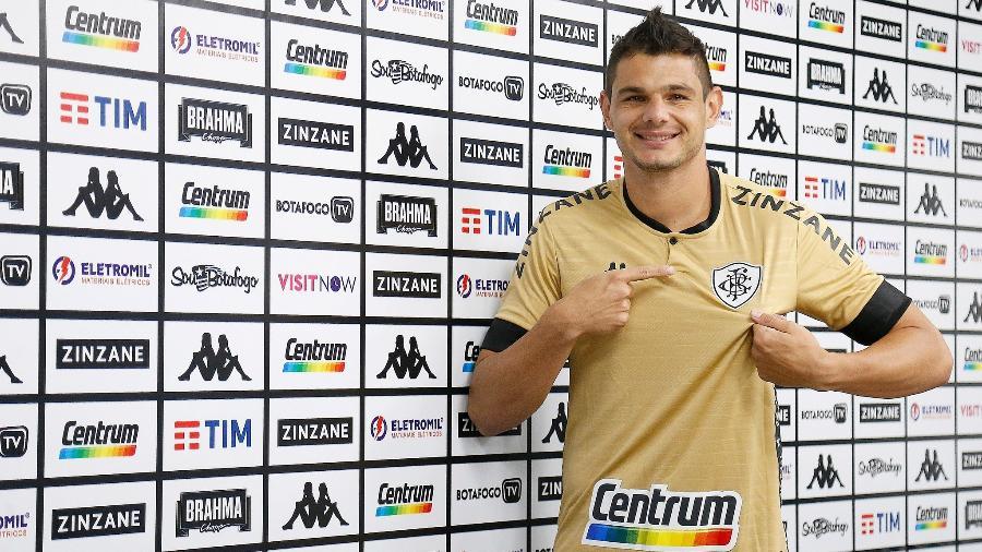 Botafogo apresenta goleiro Douglas Borges - Vitor Silva/Botafogo