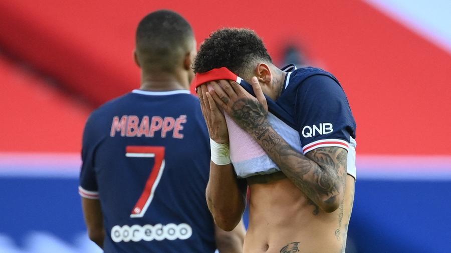 Neymar, durante derrota do PSG contra o Lille, pelo Campeonato Francês - FRANCK FIFE / AFP
