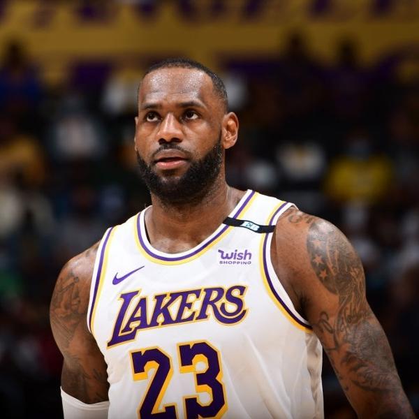 LeBron James não evitou derrota do Los Angeles Lakers contra o Phoenix Suns