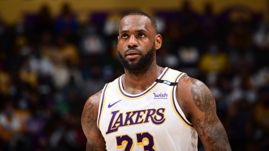 LeBron James, do Los Angeles Lakers - Adam Pantozzi/NBAE via Getty Images