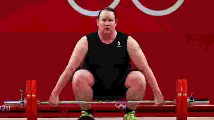 Laurel Hubbard na tentativa de levantar 125kg - REUTERS/Edgard Garrido - REUTERS/Edgard Garrido