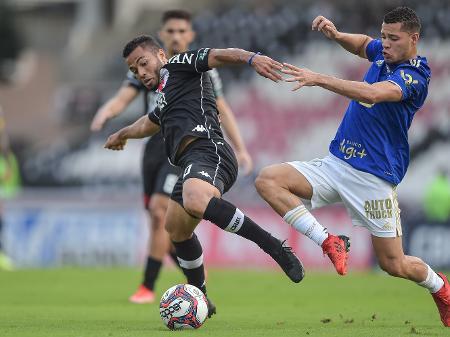 Vasco empatou com o Cruzeiro, mas Globo não viu gol anulado do Cruz-Maltino e só percebeu resultado após apito final - Thiago Ribeiro/AGIF