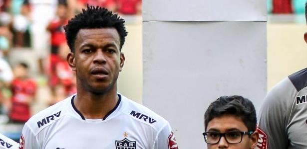 Zagueiro Edcarlos se despede do Atlético-MG