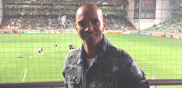 Diego Tardelli esteve presente no estádio Independência na vitória do Atlético-MG contra o Santa Cruz
