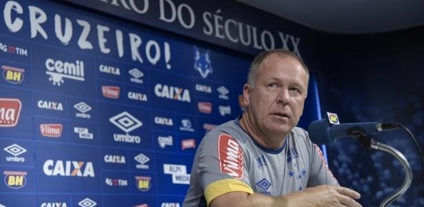Mano Menezes interessava a grandes de SP, mas preferiu seguir no Cruzeiro em 2017 - Washington Alves/Light Press/Cruzeiro