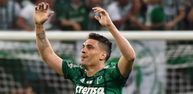 Moisés vibra com seu gol pelo Palmeiras contra o Barcelona-EQU, na Libertadores