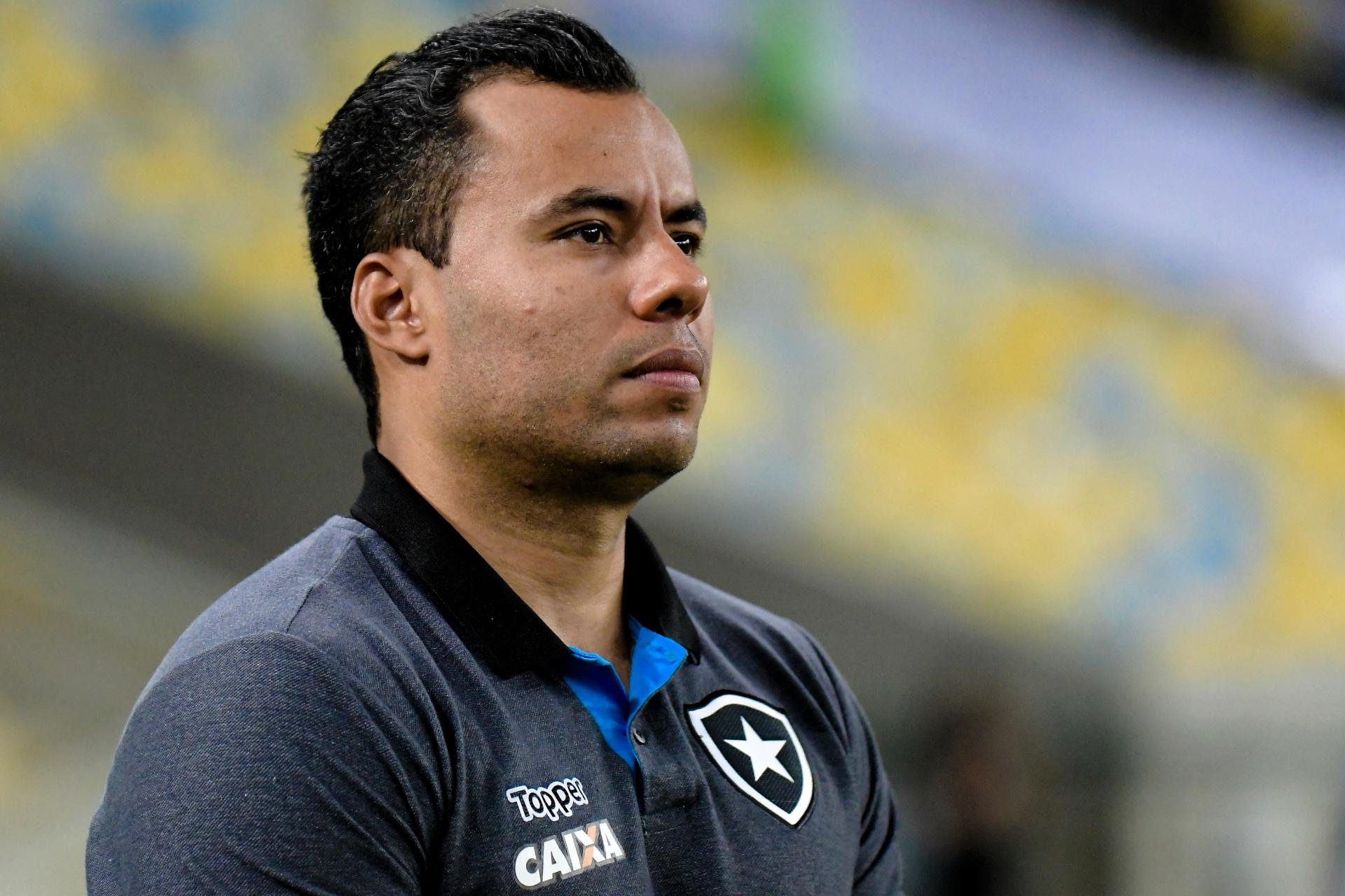 Presidente do Botafogo diz que Santos não o procurou por Jair Ventura -  Esporte - BOL aa422ddd9d4d0