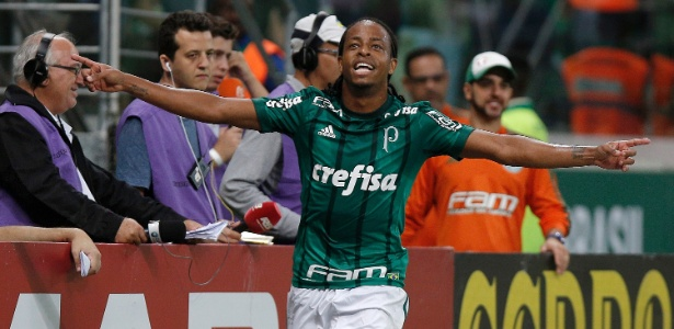 Xodó da torcida, Keno vive grande momento no Palmeiras