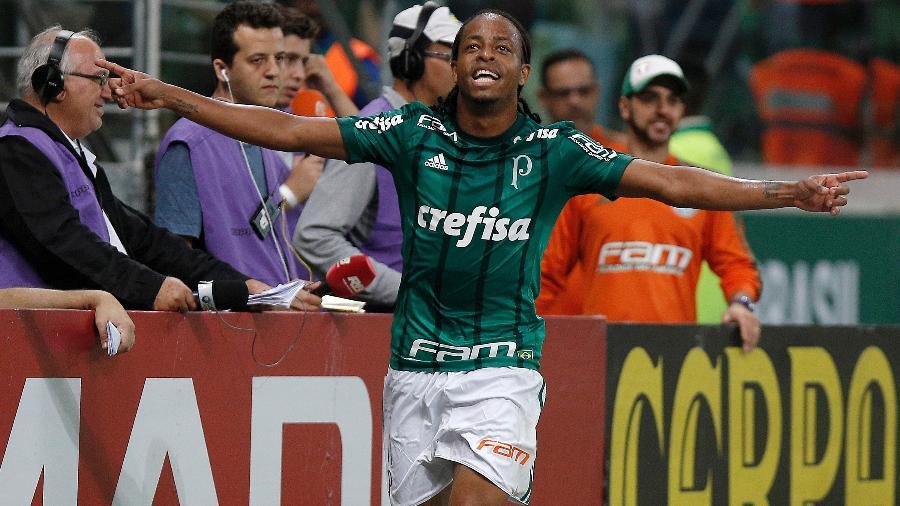 Keno, ex-jogador do Palmeiras, fechou com o Atlético-MG no mercado da bola - Daniel Vorley/AGIF