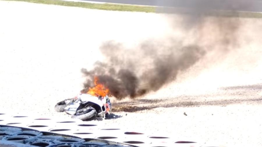 Moto pegou foto após acidente em Montmeló; catalão foi levado a hospital - Reprodução