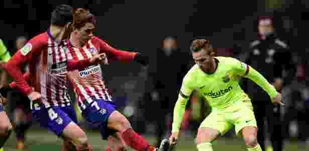 Arthur será desfalque no duelo contra o PSV, pela Uefa Champions League - Javier Soriano/AFP