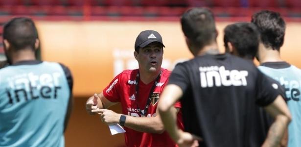 O técnico André Jardine preparou a sua equipe para a última rodada do Brasileirão, contra a Chapecoense