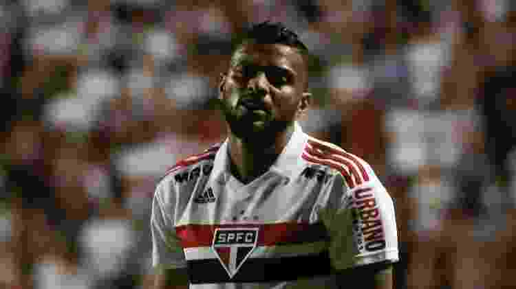 Reinaldo lamenta após perder chance em jogo entre São Paulo e Ituano - Marcello Zambrana/AGIF - Marcello Zambrana/AGIF