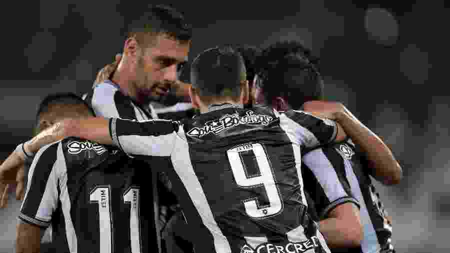 Botafogo busca vitória fora de casa para ficar em vantagem na corrida pela classificação - Thiago Ribeiro/AGIF