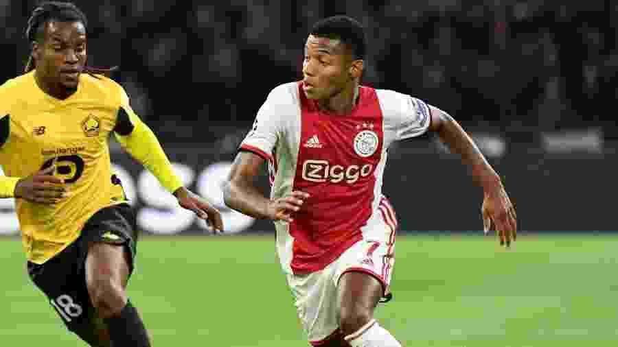 David Neres em ação pelo Ajax em partida contra o Lille, de Renato Sanches, pela Liga dos Campeões - REUTERS/Piroschka van de Wouw
