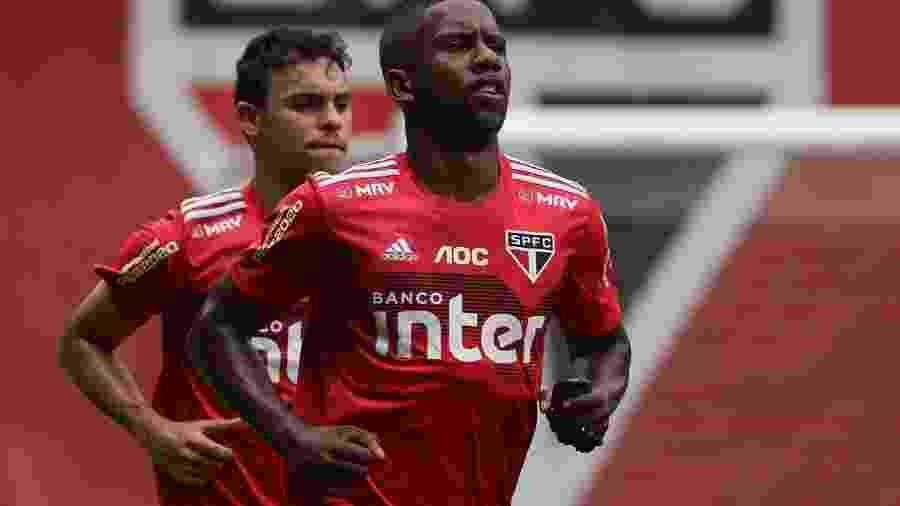 Jonas Toró, atacante do São Paulo, se recupera de problema clínico com a fisioterapia do clube - Rubens Chiri/saopaulofc.net