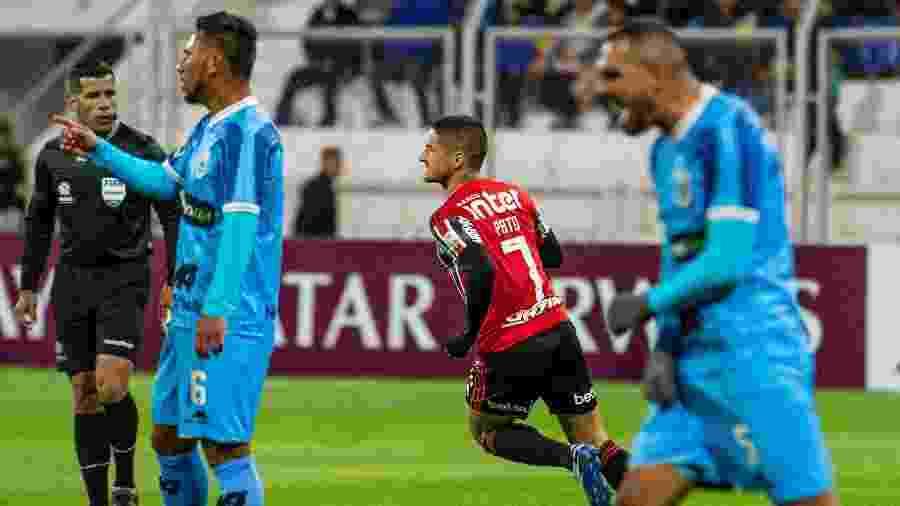 São Paulo perdeu para o Binacional em jogo antes da paralisação do futebol por causa da pandemia do novo coronavírus - Ernesto BENAVIDES