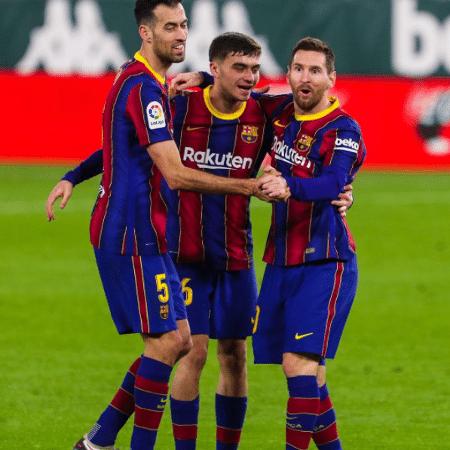 Piqué, Pedri e Messi comemoram gol do Barcelona contra o Bétis - Reprodução/Instagram